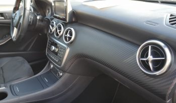 MERCEDES-BENZ A180 AMG completo